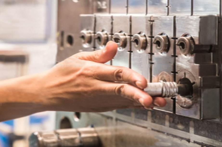 Inyección de Plástico y Fabricación de Moldes